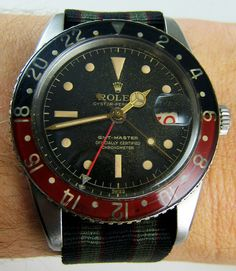 Rolex GMT ref 6542 a. Original bakelite bezel, small GMT hand and red date. Dream Watches, Sport Watches, Luxury Watches, Rolex Watches, Simple Watches, Cool Watches, Watches For Men, Wrist Watches, Rolex Vintage