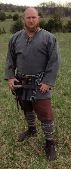 Viking wear at Ravensborg, Return of the Sun Knox City, MO. Viking Garb, Viking Reenactment, Viking Men, Viking Dress, Viking Life, Viking Warrior, Medieval Costume, Medieval Dress, Mens Viking Costume
