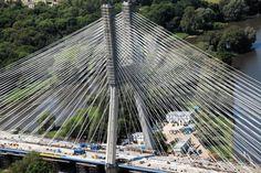 Most Rędziński - drogowy most wantowy nad Odrą, będący częścią autostrady A8.