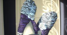 In een vorige blog  stond een patroon van een baret,tas en sloffen.  Ik had zelf de patroontjes nog niet gemaakt, daar is nu verandering in...