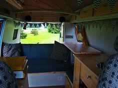 Wood home made interior vw Diy Interior, House In The Woods, Corner Desk, Vw, Loft, Homemade, Camper, Furniture, Home Decor