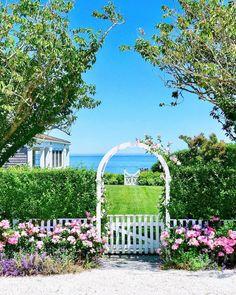 Nantucket Style, Nantucket Island, Seaside Garden, Wonderful Dream, Martha's Vineyard, Summer Breeze, Rhode Island, Cape Cod, Newport