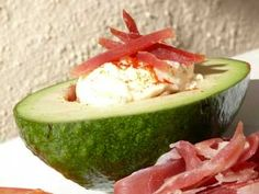 Stuffed avocado recipes, interesting Spanish tapas ideas ideal for the summer, more Spanish recipes and tapas ideas online. Tapas Ideas, Tapas Recipes, Spanish Recipes, Spanish Cuisine, Spanish Tapas, Spanish Food, Stuffed Avocado, Serrano Ham, Avocado Recipes