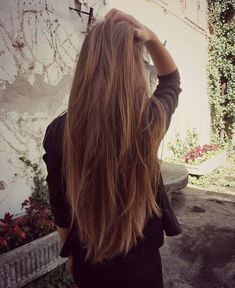 Casual, natural, long layers.