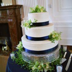 Blue green wedding cake
