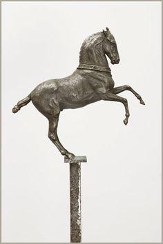 More equine art & inspirations: www.StajniaSztuki.pl The Venetian King by Susan Leyland, bronze sculpture