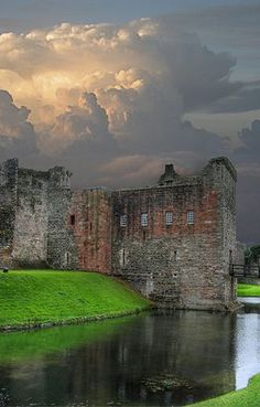 Rothesay Castle, Isle of Bute, Scotland. In 12th c. a keep was built with a wet moat and on a mound with a unique circular plan. Norsemen attacked in 1230 by cutting a hole with axes. In 1263, King Haakon captured it, then defeated in battle and the Stewarts became the keepers.In 1344, it passed between Robert the Bruce and the English with Scots finally having control. In the 15th c. a large rectangular keep and gatehouse were added. In the 19th c. it was rebuilt.
