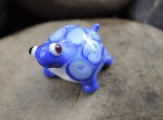 Cute glass lampwork bead, handcrafted tortoise bead with 3D dot pattern in light and dark blues. by BdazzledJewellery on Etsy