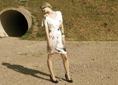 Tiina Kivinen silk fabrics Life is fun & Tuulella on pesä