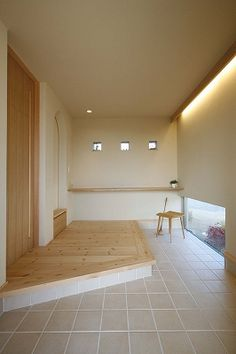 写真02|Y様邸(H24.4.23更新) Japanese Modern House, Japanese Living Rooms, House Shelves, Entrance Hall, House Layouts, Home Hacks, My House, House Plans, New Homes