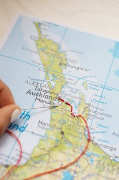 Embroider your trip onto a map www.apairandasparediy.com
