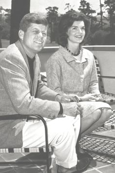 President John Fitzgerald Kennedy (May 29, 1917 – November 22, 1963) And His Wife ,First Lady,Jacqueline Bouvier Kennedy (July 28, 1929 – May 19, 1994)