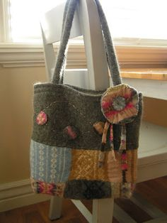 How to make wool jumper into felt ti make something like this bag!