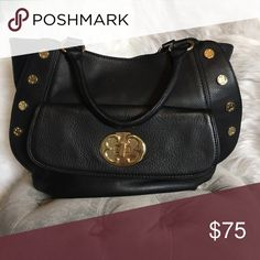 Emma Fox Handbag New without tags. This is an Emma Fox bag. Great handbag. Placed under MK brand for exposure. Michael Kors Bags Totes