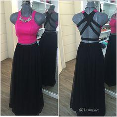 Gorgeous  #Vestido #VestidosEnRenta #RentaDeVestidos #Dress #Pink #Rosa #Negro #Falda #Tul #Croptop #Outfit #Noche #Night #Fiesta #Party #1nsdress #Fashion #2016
