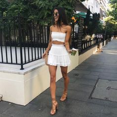 Stunning Summer Outfits With Mini Skirt You Would Love To Try This Summer; Summer Outfits With Mini Skirt; Stunning Summer Outfits With Mini Skirt; Mini Skirt For Summer; Casual Skirts, Casual Summer Outfits, Spring Outfits, Trendy Outfits, Casual Dinner Outfit Summer, White Outfit Party, Black Shorts Outfit Summer, Long Skirts, White Outfits