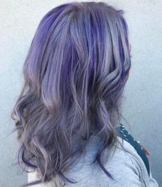 Silver hair with purple highlights. silver hair with purple highlights Grey Hair With Purple Highlights, Silver Purple Hair, Grey Brown Hair, Brown Hair With Caramel Highlights, Grey Hair Dye, Silver Blonde Hair, Dyed Hair Pastel, Hair Color Purple, Dark Hair