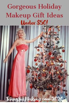 Need some holiday gift ideas for the beauty lovers on yiur list? Here are 10 of the best under $50 each! Getting Old, Holiday Gifts, Lovers, Good Things, Gift Ideas, Formal Dresses, Makeup, Blog, Beauty