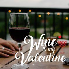 Am Valentinstag ist es romantisch Liebe ist in der Luft, Herzen schlagen höher. Gilt auch für Wein Liebhaber. Tolles Geschenk für Freund Freundin oder eine geliebte Person. Sag einfach ich liebe dich! Be My Valentine, Red Wine, Alcoholic Drinks, Party, Food, Boyfriend Girlfriend, Romantic Love, Great Gifts, Gift For Boyfriend