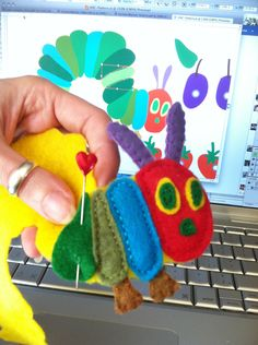 elephant softies owl baby blanket Needle felting Very Hungry Caterpillar Felt Board MEOW / Vintage Toy Blocks. Diy Quiet Books, Felt Quiet Books, Diy For Kids, Crafts For Kids, Felt Board Patterns, Hungry Caterpillar Craft, Felt Stories, Baby Sewing Projects, Chenille