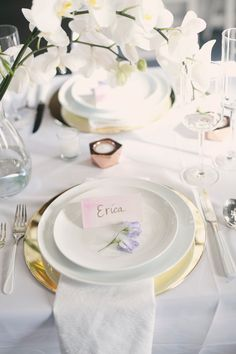 elegant place setting, photo by Laura Marie Creative Photography http://ruffledblog.com/notwedding-nyc #weddingideas #receptions #placesetting