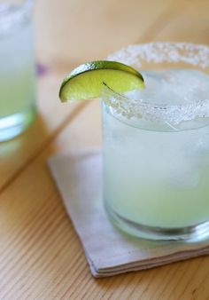 The Perfect Margarita via HonestlyYUM. Just in time for Cinco de Mayo!