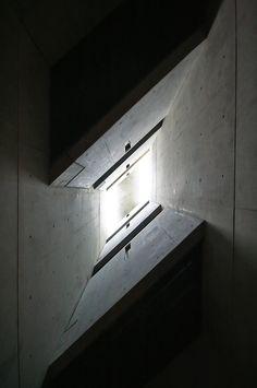 DANIEL LIBESKIND, JEWISH MUSEUM: in berlin.