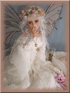 By Artist Unknown . Elves And Fairies, Clay Fairies, Flower Fairies, Beautiful Fairies, Beautiful Dolls, Polymer Clay Fairy, Kobold, Fairy Queen, Fairy Pictures