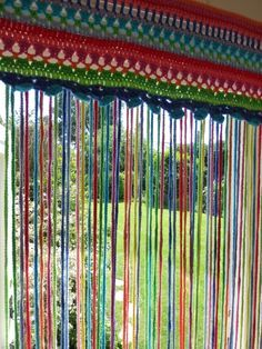 Mrs Thomasina Tittlemouse: Crochet Fly-Curtain ༺✿ƬⱤღ  https://www.pinterest.com/teretegui/✿༻