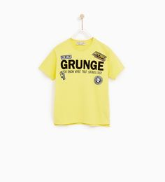 CAMISETA GRUNGE Y PARCHES