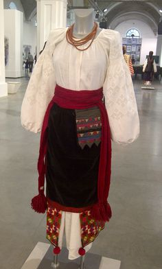 Samples of traditional Ukrainian festive clothing of century. Best collection of three museums (photos) Festival Outfits, Traditional Outfits, Museums, Ukraine, Festive, Desk, Necklaces, Costumes, Clothing