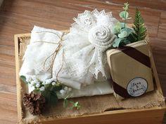 Ideas vintage wedding decorations diy boxes for 2019 Rustic Wedding Gifts, Wedding Gift Boxes, Gifts For Wedding Party, Wedding Ideas, Wedding Vintage, Diy Party, Party Gifts, Beach Wedding Bouquets, Diy Wedding Bouquet