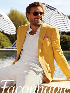Yellow linen jacket... It screams summer!!!