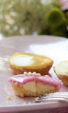 Bebe-leivos hurmaa - katso herkullinen resepti!   Meillä kotona Dairy Free Recipes, Baking Recipes, Cake Recipes, Finnish Recipes, Good Food, Yummy Food, Baking And Pastry, No Bake Desserts, Yummy Cakes