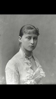 Princess Elizabeth of Hesse, elder sister of Alix- 1888