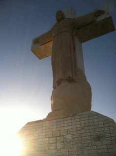 """Mt. Cristo Rey in El Paso, Texas. Wow. This looks like it may make a good location for """"Gateway to Mexico."""" Beautiful!"""