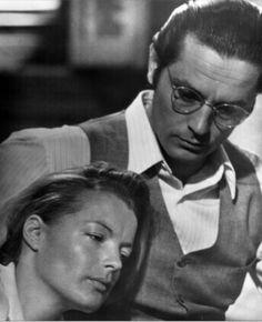 """sublime photo de Romy et Alain Delon sur le tournage de """"L'assassinat de Trosky"""" réalisé par Joseph Losey en 1971. Il y a de l'abandon, de la confiance, de l'amour, du réconfort trouvé."""