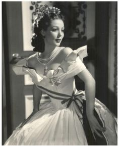 Loretta Young--the golden age of hollywood's Old Hollywood Movies, Hollywood Icons, Old Hollywood Glamour, Golden Age Of Hollywood, Vintage Hollywood, Hollywood Stars, Hollywood Actresses, Classic Hollywood, Hollywood Divas