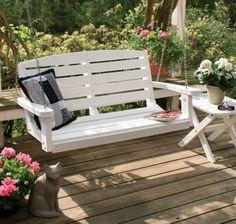 Gartenschaukel - Unterschiedliche Modelle, die den Garten schöner machen. Der Garten ist der perfekte Platz, wo man sich an warmen Tagen entspannen kann....