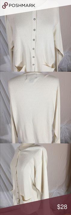 Wool rich Button snap Cardigan Sz M Beautiful knit Cardigan Woolrich Sweaters Cardigans