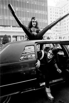 Gene Simmons & Ace Frehley, Hollywood, CA 1976  © NEAL PRESTON