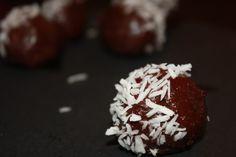 Raw Coconut Chocolate Fudge | Lauren Kelly Nutrition