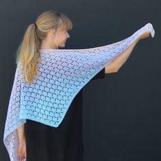 Ravelry: Knitted Sunrise Shawl pattern by Hobbii Design Knitting Paterns, Knitting Stitches, Free Knitting, Clothing Patterns, Sewing Patterns, Knit Or Crochet, Free Crochet, Fashion Design Books, Ganchillo