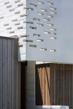 Tuatua House by Julian Guthrie