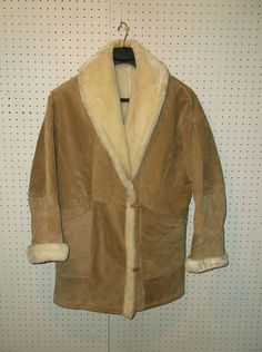 Wilsons Leather Women's Tan Suede Leather White Fur Heavy Coat Size MEDIUM  #WilsonsLeather #BasicCoat