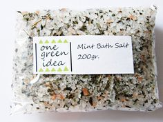 Items similar to Mint Bath Salt , Refreshing, Organic Rose Salt, Sea Salt, Mint Leaves 200 Gram Minttu Kylpysuola on Etsy Organic Roses, Bath Salts, How To Dry Basil, Mint, Place Card Holders, Herbs, Sea, Handmade Gifts, Green