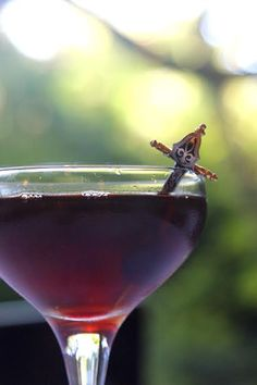 Fig wood smoked manhattan - how to