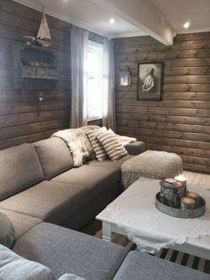 Ragnhilds Hverdagslykke: Sjekk ut min kjellerstue-heelt ferdig! Cellar, Man Cave, Basement, Couch, Living Room, Furniture, Home Decor, Homemade Home Decor, Root Cellar