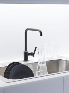 Matte black faucet finish.