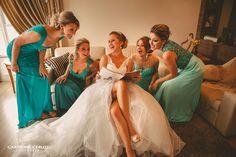 Foto divertida com as madrinhas, madrinhas verde e azul, madrinhas tons diferentes, madrinhas iguais, verde menta, turquesa Wedding, green bridesmaids, blue bridesmaids, mint and turquoise